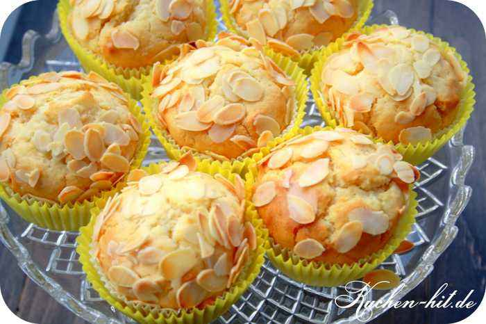 marzipan muffins rezept mit knusprigen mandelbl ttern kuchen. Black Bedroom Furniture Sets. Home Design Ideas