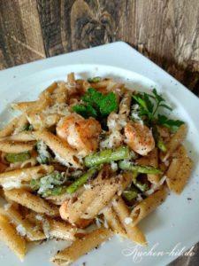 Pasta mit Garnelen und Spargel
