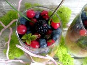 Buchweizenpudding mit Obst